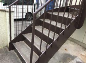 外部階段の塗装工事